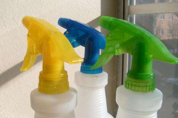 spray bottles for cleaning